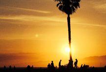 California - Globe dancers