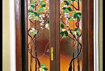 Boolshelf door