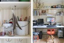 Erikas hus: Hemmakontoret / #hemma #kontor #arbetsrum #arbetsplats #pärlspont #linoljefärg #återbruk #gamla #fönster #pardörrar #loppisfynd #hyllor