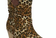 Boots / by Elsa Villa