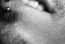 Piercing for men ! / Piercing pour homme : acier basique, titane noir, plug, boucles d'oreille, piercing de septum. Retrouvez notre sélection de piercing pour Monsieur !