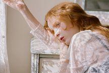 Lady Lorna of Revaire / [7kkp] Damaged Ambitious Widow. Redhead. 24y. Bi. Black&Pastels.
