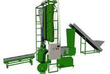 Lignes automatiques de production de pellets http://www.pelletsease.com/ / La pelletisation des déchets de #biomasse, pour une clientèle de proximité, est devenue réalité. La conception est robuste, économique et facile à prendre en main. Le prix de revente des #pellets de #bois DIN+ en vrac, est d'environ 240€ ht/T. Il faut environ 15€ d'électricité par tonne produite. Plus d' informations sur https://www.facebook.com/PelletsEase/ ou http://pelletsease.centerblog.net/ ou http://twitter.com/pelletsease