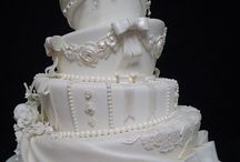 cake-related joy / photos of cakes that inspire me. i'm on a cake hiatus at the moment but i still love me some sugar art.