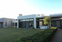 HORMIGÓN, MADERA Y VIDRIO / Arquitectura - Paisajismo - Ricardo Pereyra Iraola - Buenos Aires - Argentina - Hormigón - Madera - Vidrio