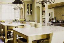 Kitchens / by Diane Swain