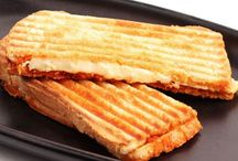 #MasQMenos Toasted Sandwiches / Delicious toasted sandwiched with a choice of fillings