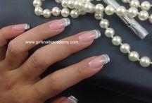 Faux ongles Gel UV / Une pose de Gel Uv qui rallonge les ongles.