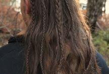 мужской образ,длинные волосы