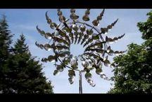 Kinetc wind sculptures / Cata-ventos de grande dimensões
