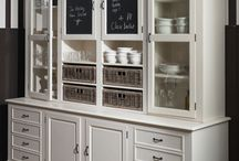 Painted Hutch / Pictures of painted hutches or china cabinets to inspire paint projects.