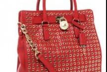 Handbags I like / by Carmen Acosta