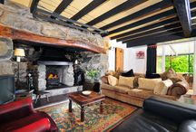 Country Cottage Interiors / Interior designs that provide comfort and style