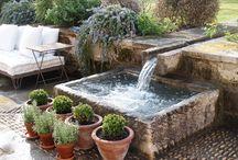 bassins d'eau et cascades