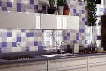 Blue and White Tiles / Blue and white tiles for walls and stylish blue and white floor tiles perfect for creating individual designs in bathrooms, kitchens and hallways. Please contact the Direct Tile Warehouse team for free tile samples.