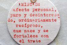 FRASES en tela © COLMADO MAZA / Frases escritas con máquina de escribir antigua sobre tela de algodón. Un acompañamiento perfecto para que tus regalos sean mucho más personalizados. Hecho a mano