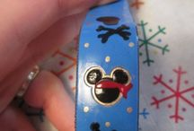Decorating MagicBands - Walt Disney World / Ideas for decorating and customizing MagicBands