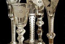 Gläser und Geschirr
