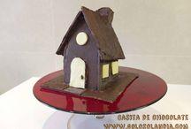 Casita de chocolate / En esta semana santa hay que celebrar la #pascua con una: #Casita de #chocolate Fácil #receta casera paso a paso (incluye vídeo en HD).  http://www.golosolandia.com/2015/03/casita-de-chocolate.html