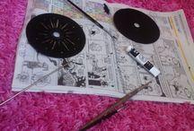 CD-Art / You will need: -Acrylic paint -CD -Needle
