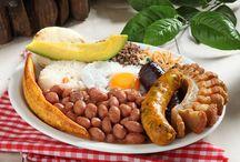 Conoce nuestros almuerzos, comidas y entradas / Ofrecemos los más espectaculares platos tradicionales de la comida colombiana.  http://www.elrancherito.com.co/carta/almuerzo-y-comida/entradas