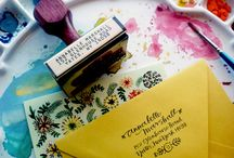 Calligraphy for your wedding seating plan / Thinking about learning calligraphy so you can do your seating plan, place cards or invitations? Here are some ideas. You can read our full tutorial at: http://www.toptableplanner.com/blog/learning-calligraphy-for-your-wedding-seating-plan
