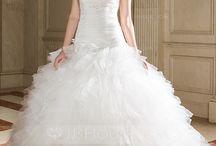 Wedding Dress / by Herbal Bacon