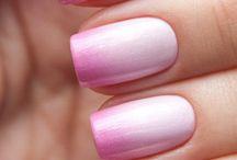 Gradient & Ombre Manicure