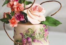 tortas con flores / by Susana Mayolo