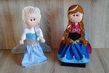 Bonecas Anna e Elsa Frozen em feltro / peças para uso decorativo, como o quartinho das princesas ou para aniversario como decoração da mesa principal ou ate mesmo centro de mesas!