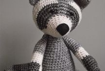 haken en breien - knuffels en poppen / by Marijke Goudriaan