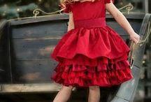Dzieci / Dziewczynka w czerwieni