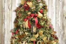 2016 Christmas Tree Decorating Ideas / Alsip Home & Nursery is the go to for Christmas ideas and inspiration. The ornaments and adornments on our theme trees have been expertly chosen by our designers and you can recreate these high-end looks in your very own home with product from Alsip Home & Nursery! Browse all of the theme trees here: http://www.alsipnursery.com/2016-christmas-theme-trees/