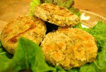 """Ecofood / """"Ecofood. Per una cucina sana consapevole e bio in tutte le stagioni"""" è un libro (scritto da Marina Ferrara e edito da L'Età dell'Acquario) dedicato alla cucina consapevole: ecologica, naturale, veg, sana, """"permaculturale"""". In questa bacheca troverete le immagini delle ricette più appetitose del libro e sempre nuovi suggerimenti per una cucina a impatto zero!"""
