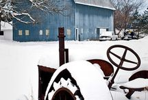 barns / by Laurie Ress