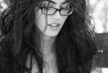 Filles avec lunettes