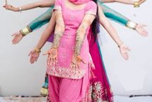 #Mehndi  #girls  #power  #big  #room  #ready  #for  #marriage  #all  #girls  #perfect  #pose  #perfect  #click / Mehndi