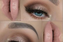 Smokey eyes/pale lips