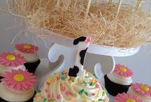 Birthday Parties / by Elizabeth Knotts