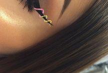 •Eyeliner•