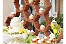 Buzzing Bees Party Ideas / All sorts of cute bees, honey and hives ideas!