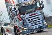 Camioane si tiruri