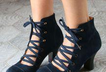 shoes/ boots
