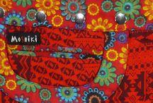 Moshiki Röcke - Größe: XL / Each Moshiki XL wrapskirt is unique. Each material combination occurs only once. The wrap skirt / reversible skirt is worn on both sides and on the inner side has a very different pattern. Spaß, gemeinsam Schönes gestalten, Fantasie und Ideen sprühen lassen und auf den Stoff bringen - dafür steht Moshiki. Nicht Mainstream sein und dabei mitten im Trend liegen. Eine einzigartige Kombination aus auffälligen Textilien. Tragbar über Hosen, Jeans, Leggins oder einfach so. Immer cool und sexy!