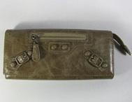 cheap hotsalehub Designer Handbags / by Rosie O'Donnell