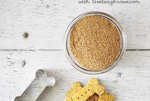 Dog treat recipes / Recipes to make your own healthy dog treats