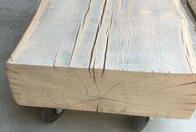 Salontafel / Stoere salontafel natuurlijke vorm met wielen