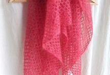 écharpes, châles tricotés