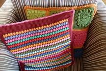 Crochet - Blankets & Pillows / by Faye White