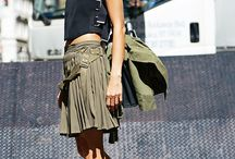 pleat buckle skirt